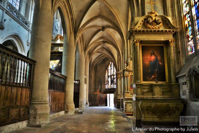 interieur eglise saint leon à carentan